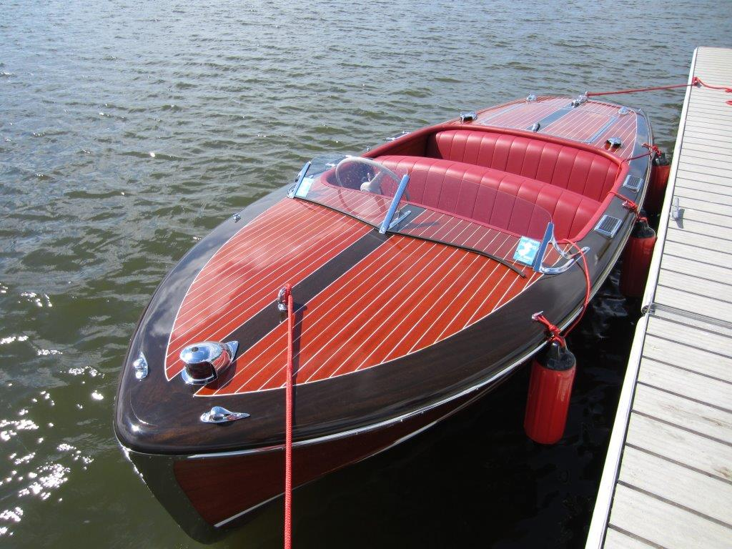 Classic Runabouts And Antique Boats For Sale Vintage Marine